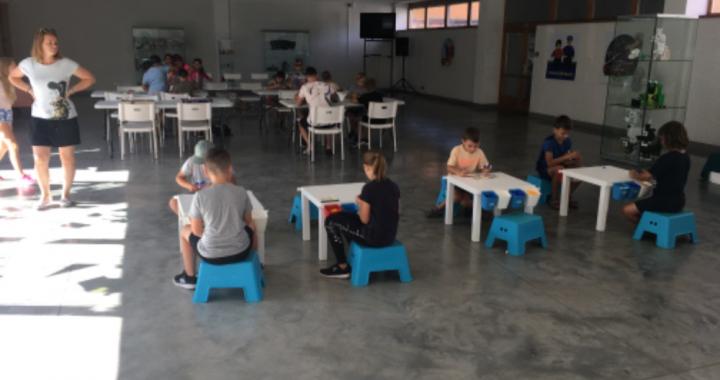 Letní kempy na ZŠ Komenského v Břeclavi bavily hrami i zaujaly učivem